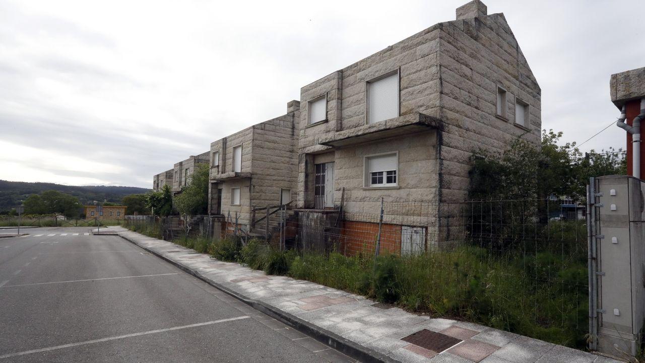 Cuatro casas a la venta en la zona de Rosende, en Lugo