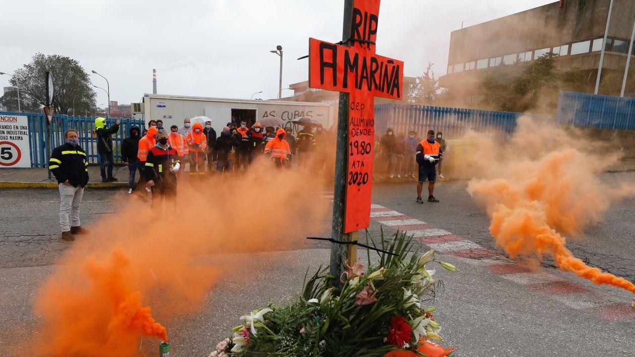 La huelga indefinida en la factoría mariñana comenzó a las 06.00 horas de este domingo