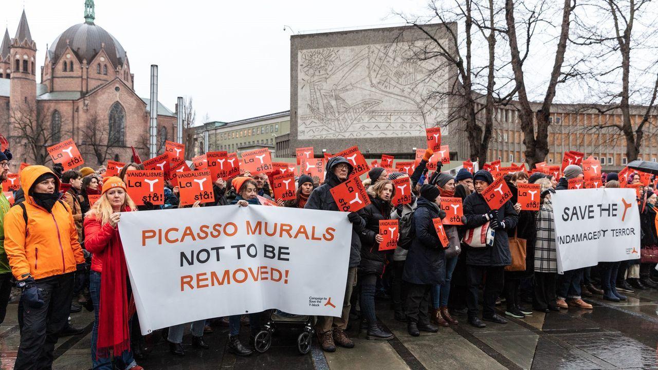 Protesta contra el derribo del edificio