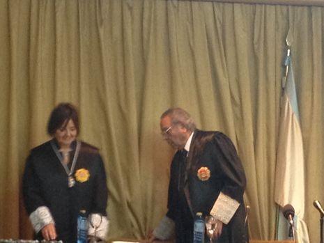Lourdes Carballo, tras ser investida decana de los abogados de Vigo