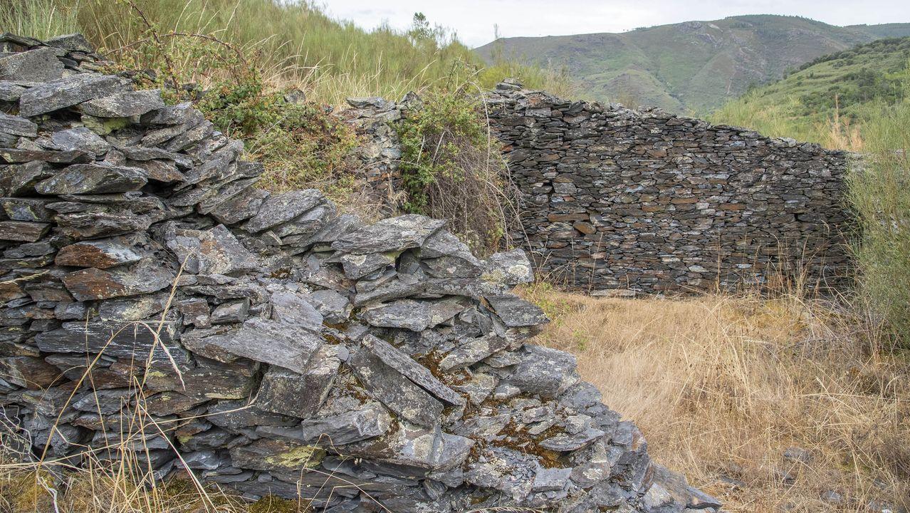 Restos de una cuadra donde se guardaban los caballos de las minas