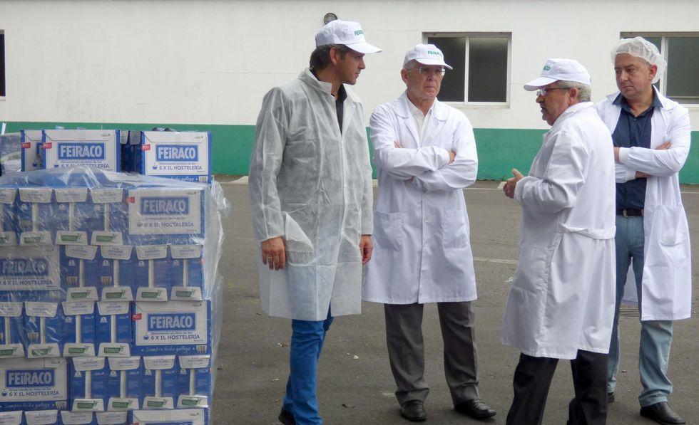Miñones (izquierda) se reunió con José Montes y José Luis Antuña.