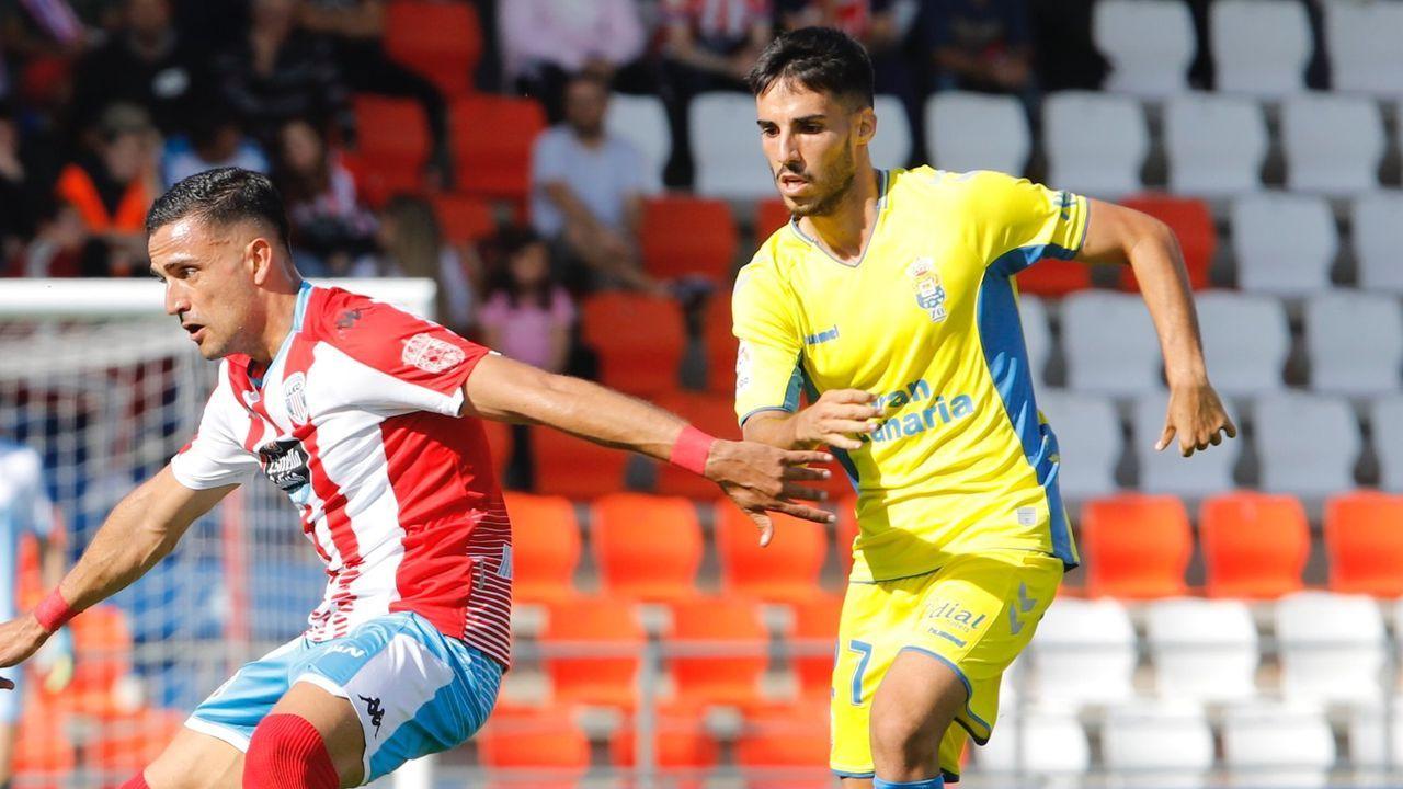 Borja Galán y De la Bella, en un lance del partido de la primera vuelta