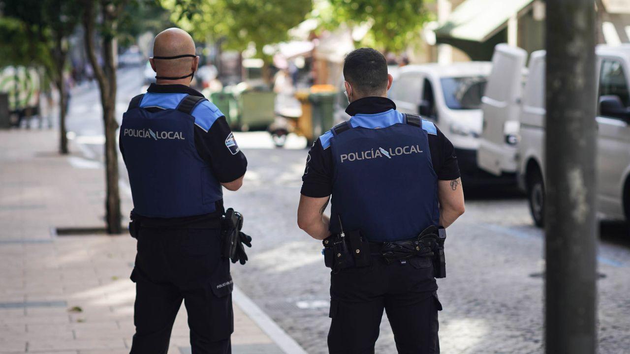 Agentes de la Policía Local, en Ourense