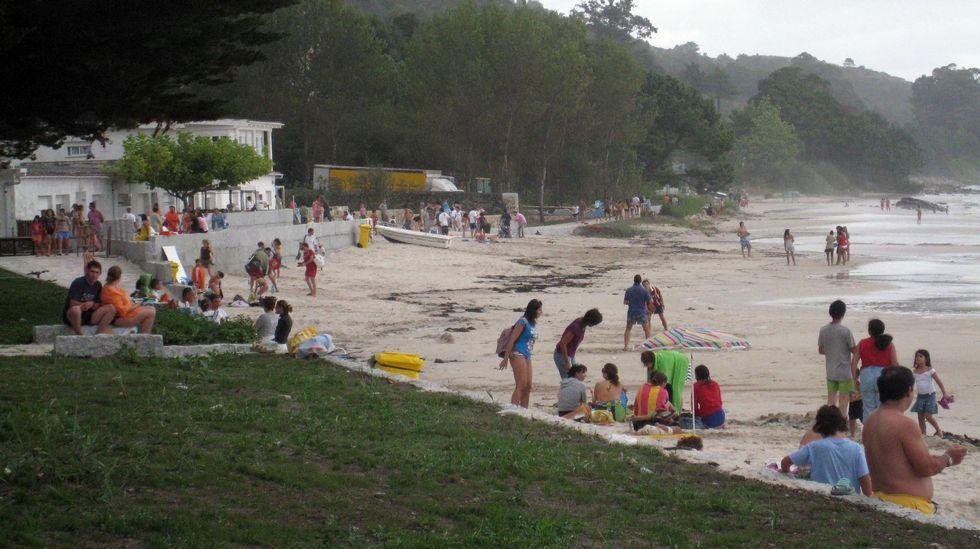 Playa de Retorta, en Boiro.Playa de San Francisco, Muros