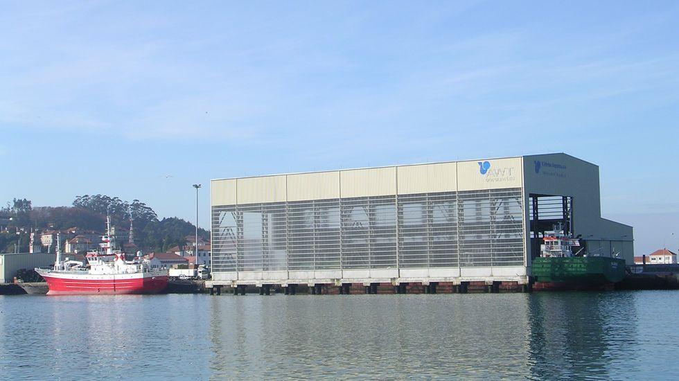 En el interior del Cetim.Limpieza del fondo marino en el puerto de Combarro impulsado por la asociación Mesa Pola Ría