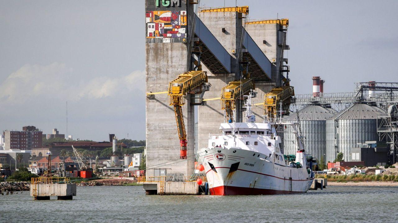 El Argos Pereira, en el puerto de Montevideo