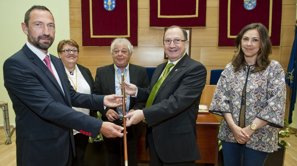 Blanco recogió de nuevo el bastón de mando del municipio.