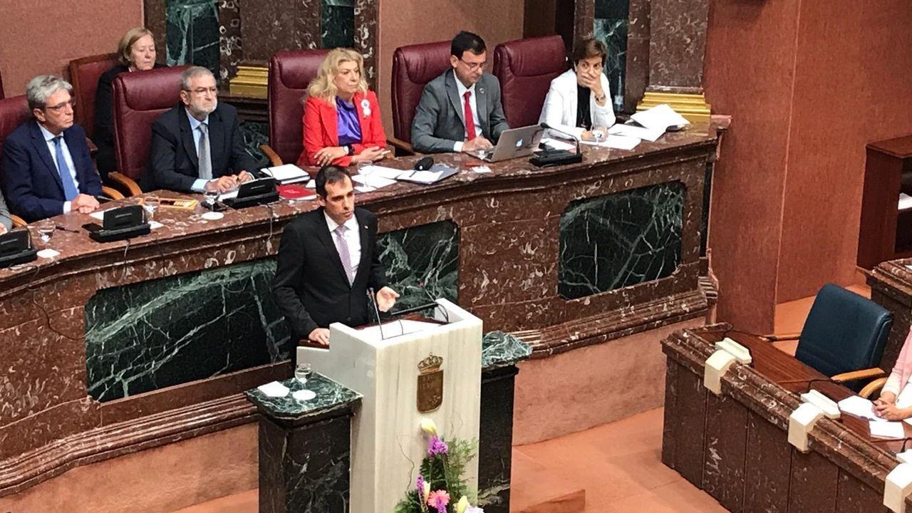 El portavoz de Vox en la Asamblea de Murcia, Juan José Liarte, durante su intervención en el debate de investidura del presidente autonómico