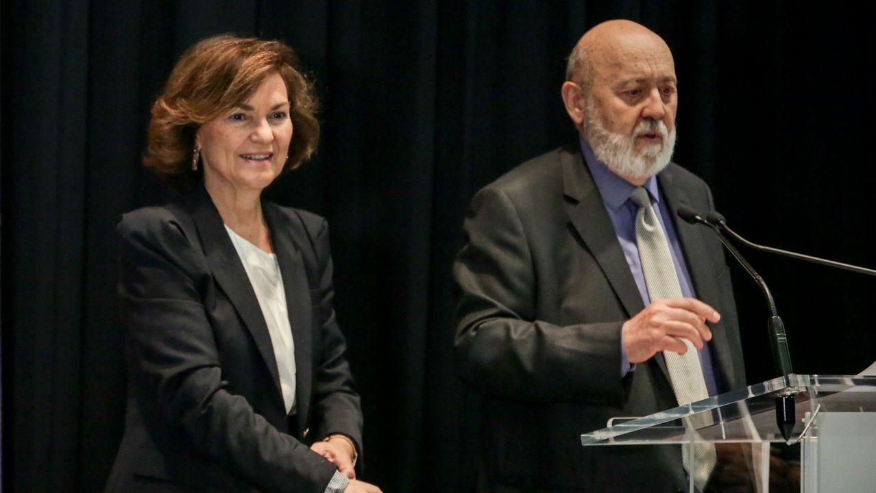La vicepresidenta Carmen Calvo y José Félix Tezanos, en un acto en el Círculo de Bellas Artes de Madrid, n noviembre del 2019
