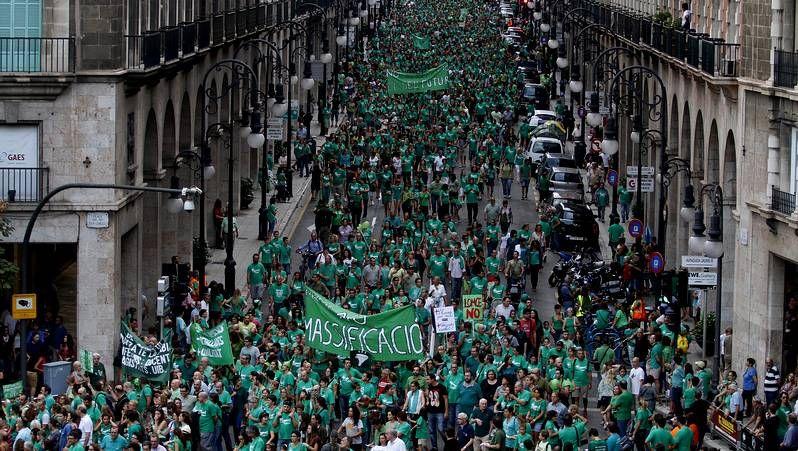 De izquierda a derecha José, Pedro, Sagrario y José Ramón, convocados por La Voz para evaluar la situación política y económica.