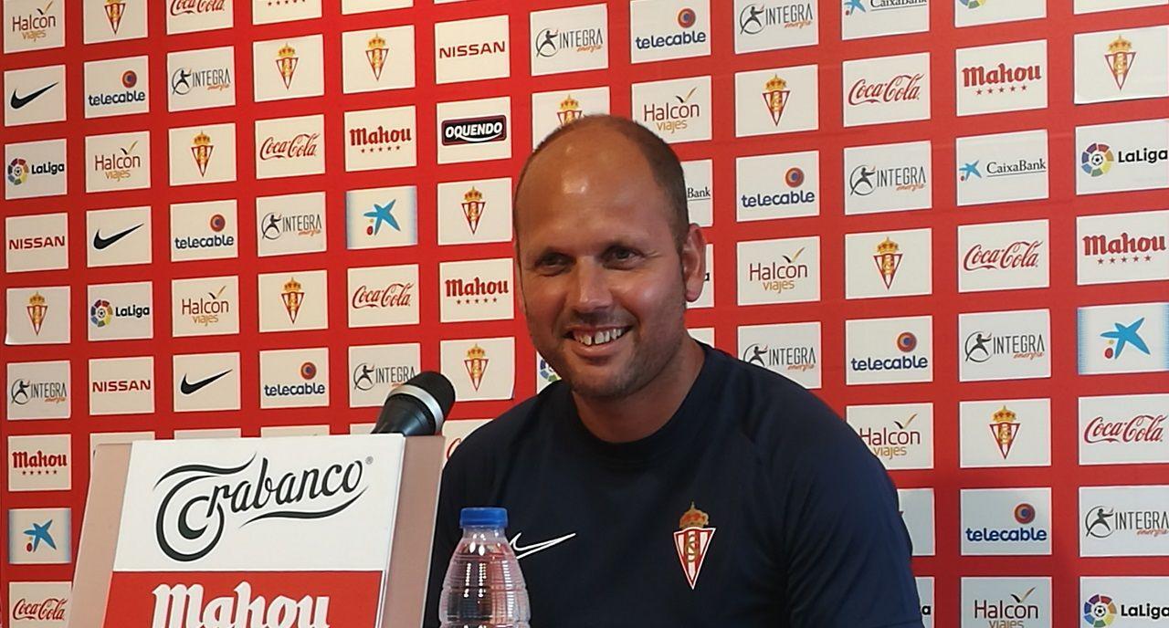 José Alberto en sala de prensa