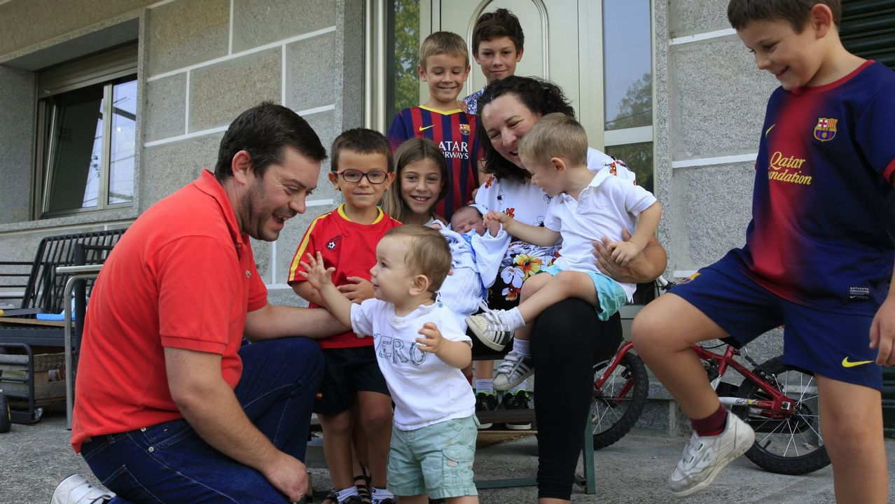 Una familia numerosa de Ourense en una imagen de archivo