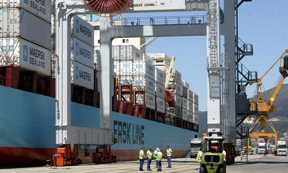 La Autoridad Portuaria de Vigo trata de evitar que Maersk abandone Guixar a partir de mayo.