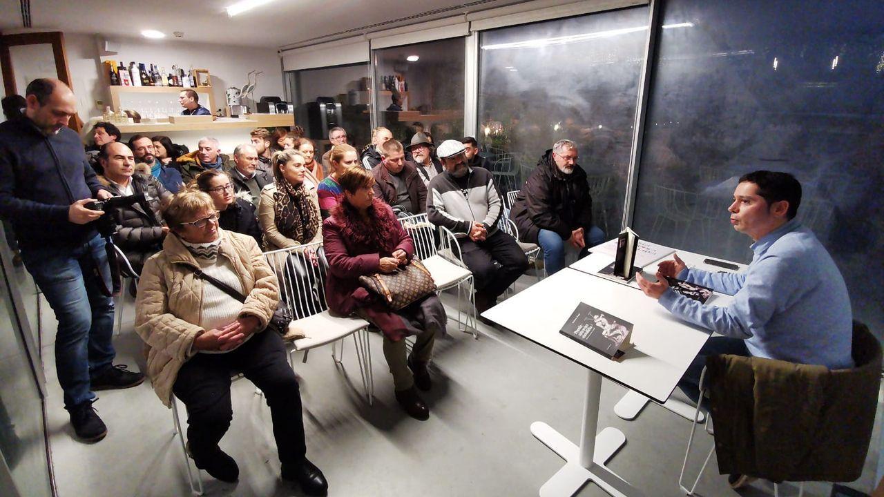 Hoy es el último día para visitar la exposición de Xesús Búa en Carballo