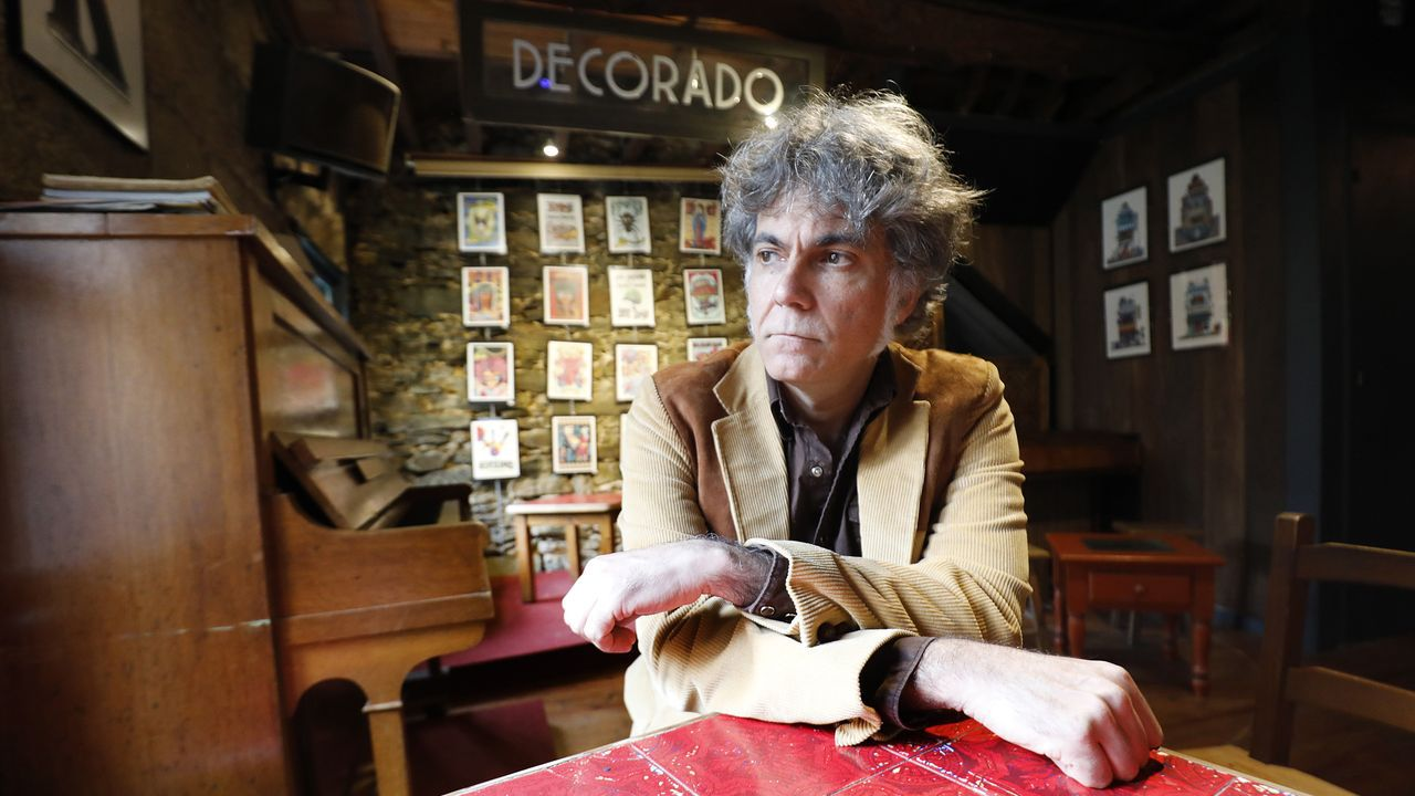 Oli Xiráldez, un luthier de gaitas, requintas e instrumentos medievales con los que reivindica a Galicia.Imagen de la casa-museo de Vicente Risco