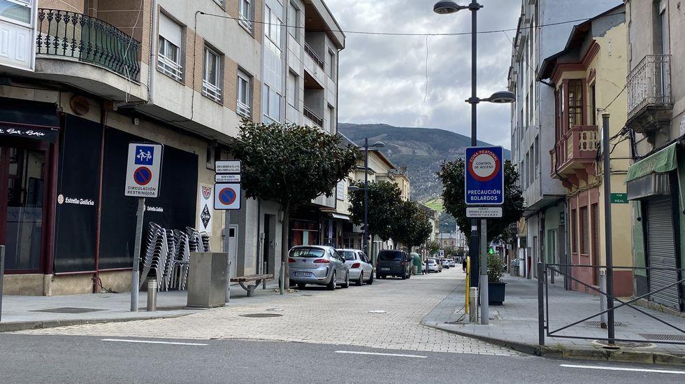 La céntrica rúa Doctor Vila, sin gente