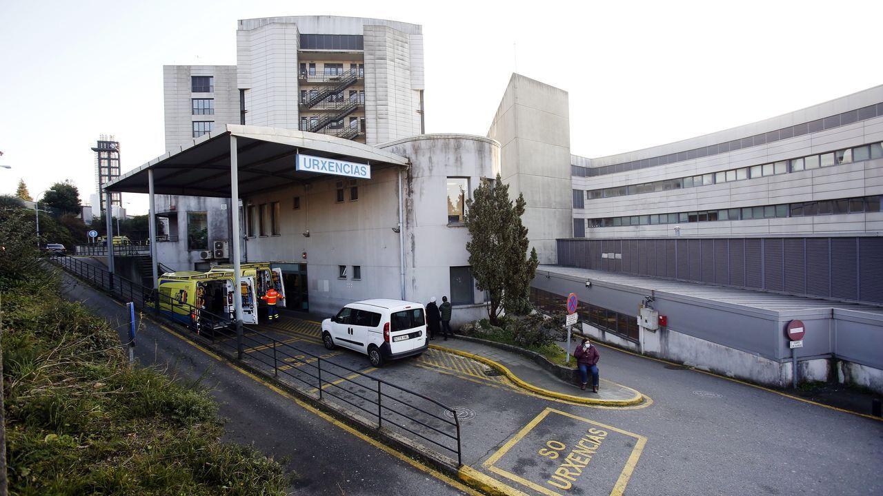 Premios Cidade de Pontevedra a Paula Dapena y los sanitarios.Entrada de urgencias del Hospital Montecelo, en Pontevedra, donde este miércoles hay 49 pacientes covid en planta y 14 graves en las unidades de críticos