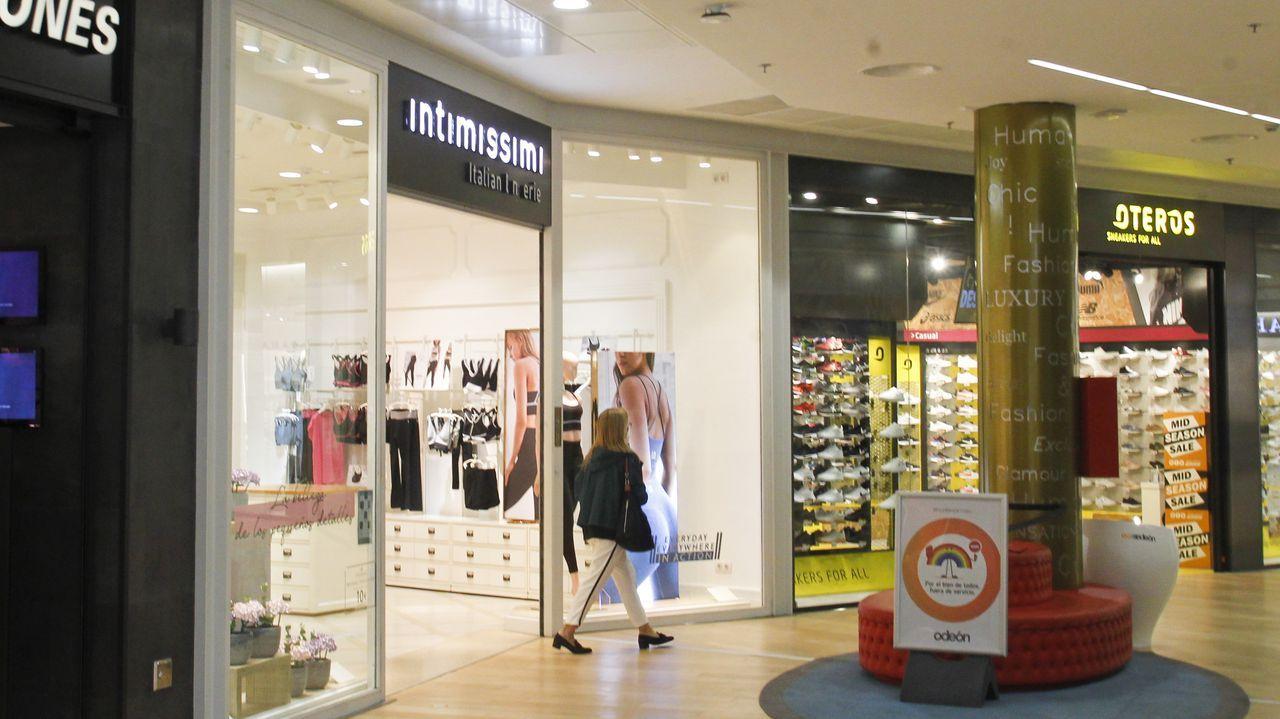 En la imagen, la tienda Intimissimi de Odeón, donde lleva funcionando más de cinco años