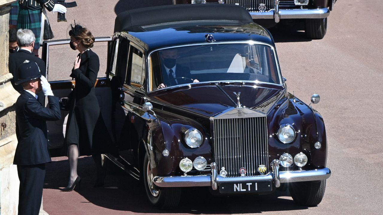 La duquesa de Cambridge entrando en la capilla donde tendrá lugar el funeral