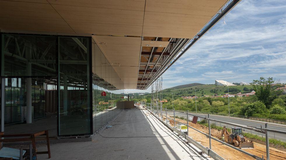La nueva estación de autobuses toma forma. Así se ve.Fachada del edificio de la Deputación de Ourense
