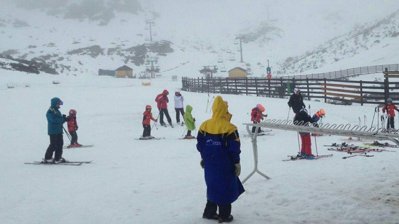 Estas son las imágenes del temporal.Estación de esquí Fuentes de Invierno, esta mañana