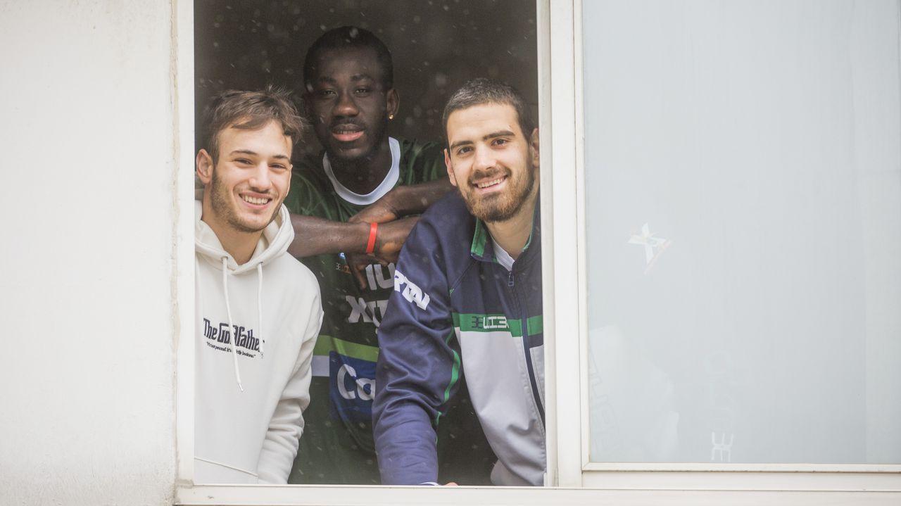 Bruno, Mamadou y Jovan, jugadores del Calvo Basket Xiria