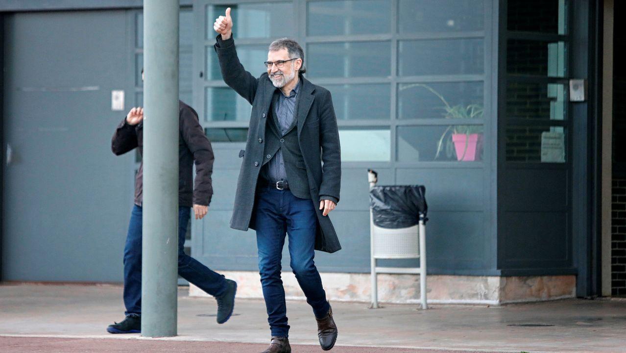 El presidente de Òmnium Cultural, Jordi Cuixart, ha salido esta mañana de la prisión barcelonesa de Lledoners