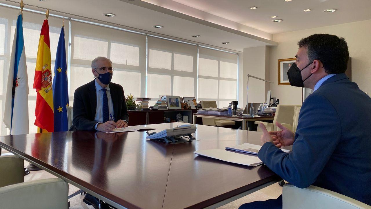 Reunión del conselleiro de Economía y el alcalde de Castrelo de Miño