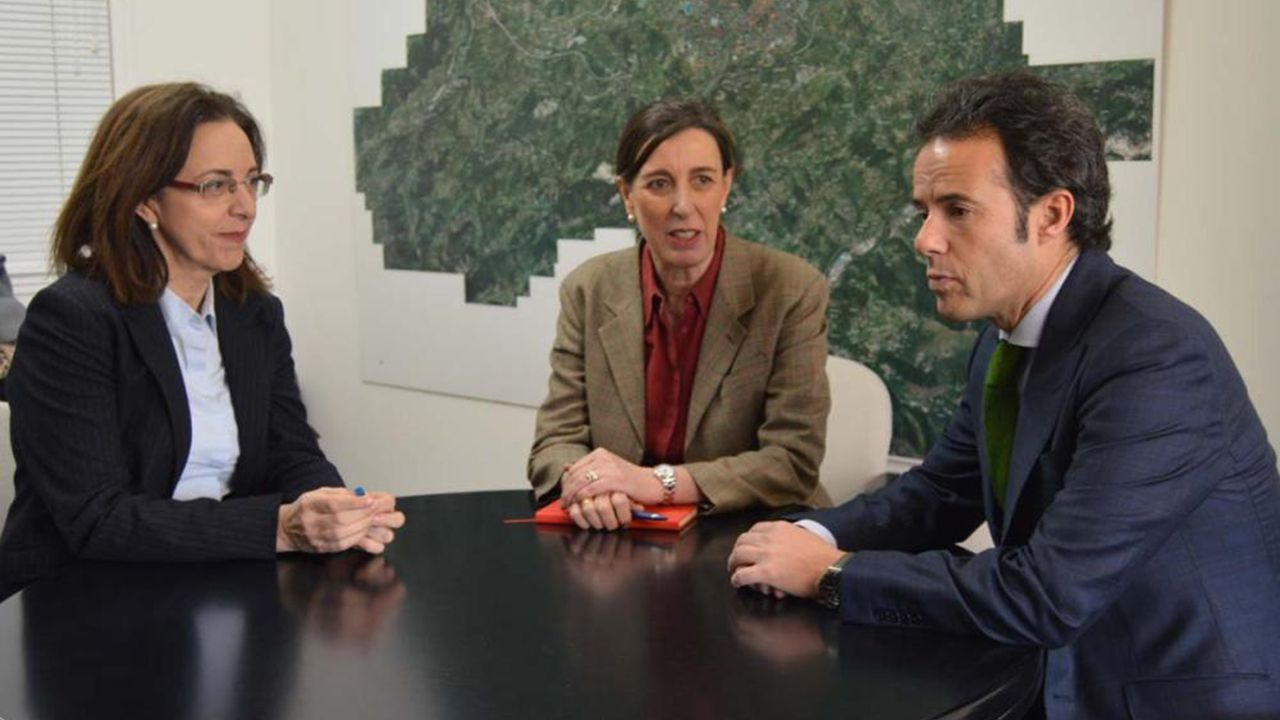 Reunión entre el Ayuntamiento de Oviedo y Gobierno de Asturias