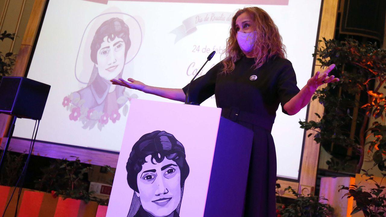 A presidenta da Deputación, Carmela Silva, durante a celebración do Día de Rosalía