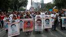 Manifestación de familiares de los jóvenes desaparecidos en Ayotzinapa