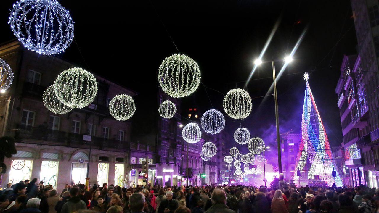 El 2018 fue el año de las coreografías del árbol de Navidad con música