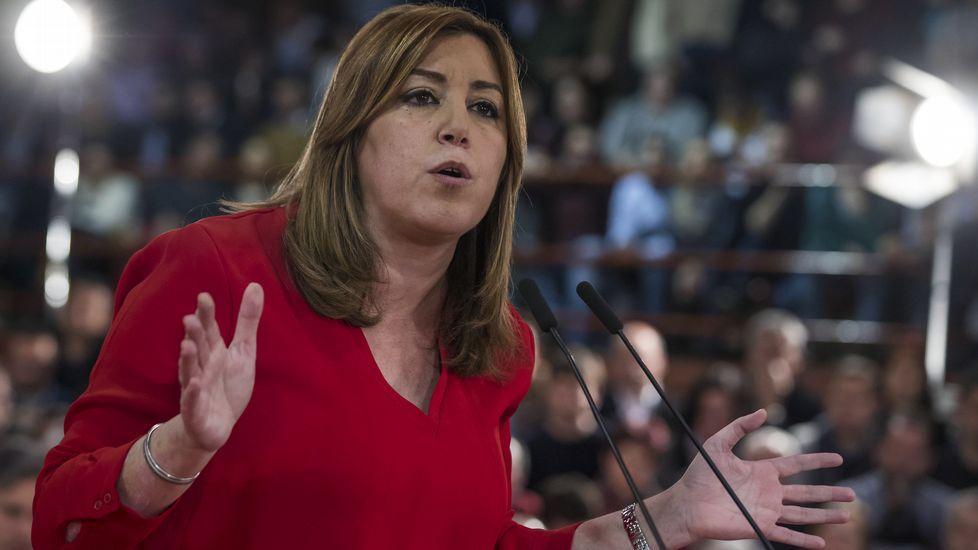 Susana Díaz: «Tengo fuerza, ilusión y me encanta ganar».Rafael Simancas conversa con Pablo Echenique en el Congreso