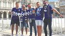 Miembros de la Peña Azul Colloto en A Coruña
