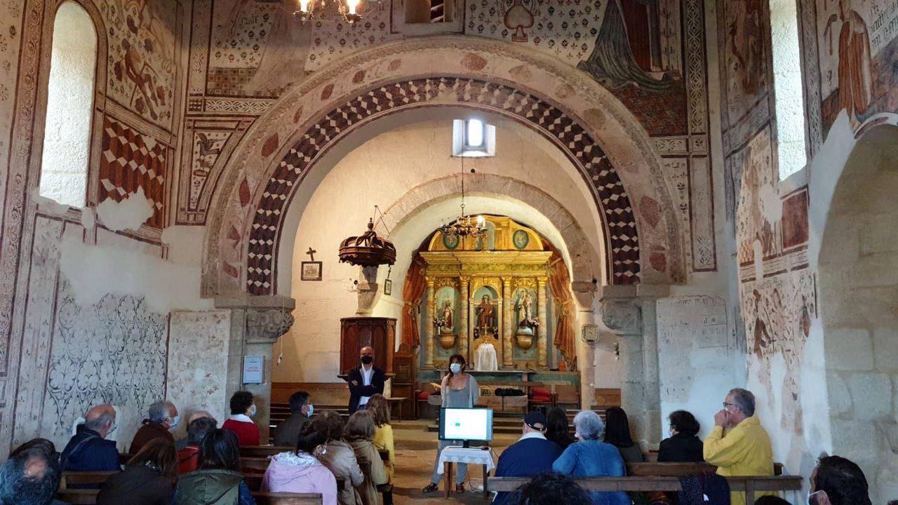 Presentación pública de las pinturas de la iglesia de Pinol en agosto del 2020, una vez terminada su restauración