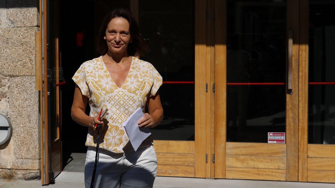 Carolina Bescansa: «Podo axudar a botar a Feijoo».Bescansa y Gómez-Reino, en la asamblea ciudadana de Podemos
