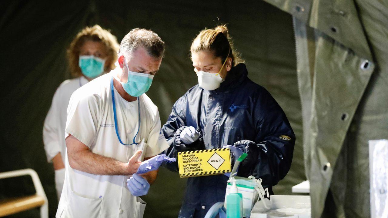 Incendio en Celeiro, Viveiro. El hospital militar instalado en el aparcamiento subterráneo del Hospital Universitario Central de Asturias (HUCA) ha comenzado a recoger las primeras muestras a los profesionales sanitarios