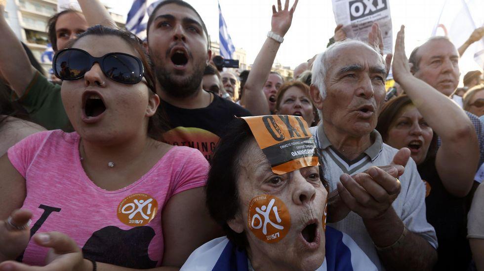 Manifestaciones multitudinarias en Atenas por el referendo