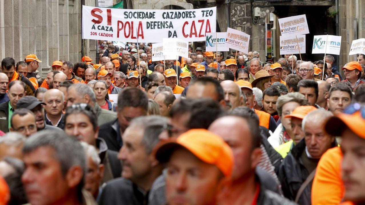 Movilización en Santiago para luchar contra el abandono del rural.Representantes de las tres comunidades en un acto ayer en León