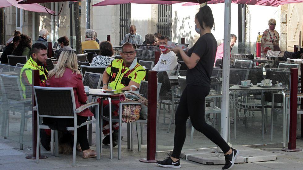 Cribado masivo en O Incio.Tras el rastreo de contagiados de la semana pasada en el sector de la hostelería, la mayor parte de los bares y restaurantes de Monforte están ya abiertos de nuevo