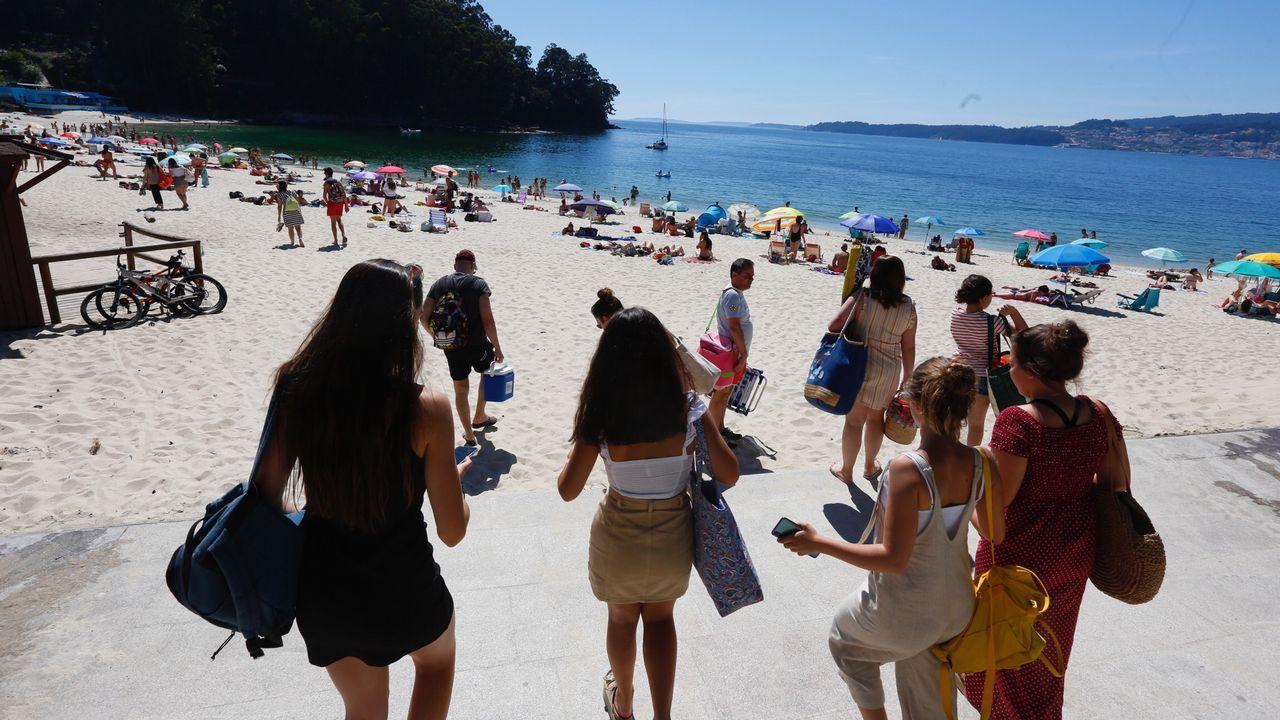 Lleno en las playas de Marín