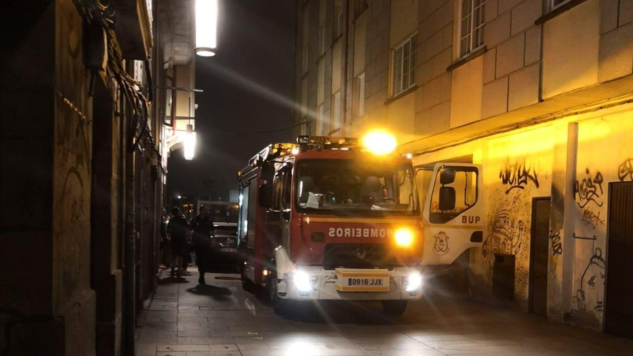 El incendio, activo desde el sábado, se expande por el centro del país luso entre los distritos de A Guarda y Santarem