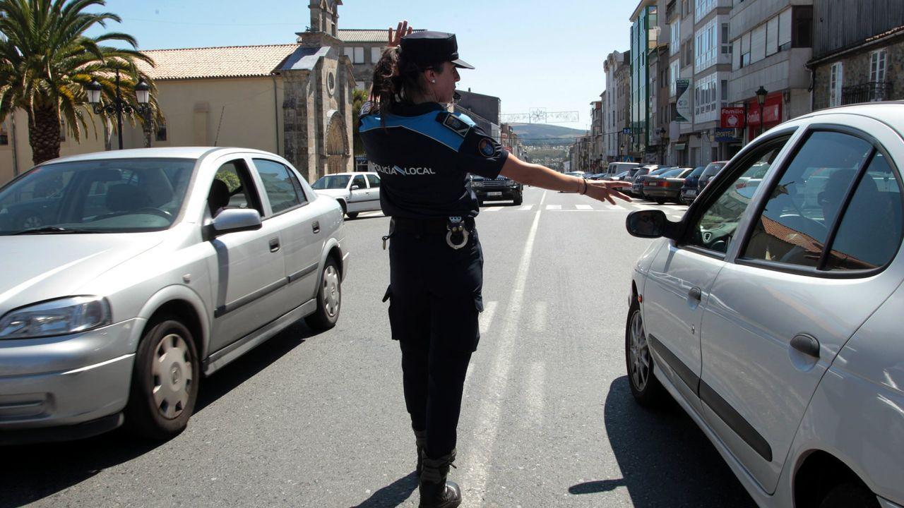 El atacante vestido con ropa militar disparo indiscriminadamente en la calle tras su fallido intento de entrar en la sinagoga