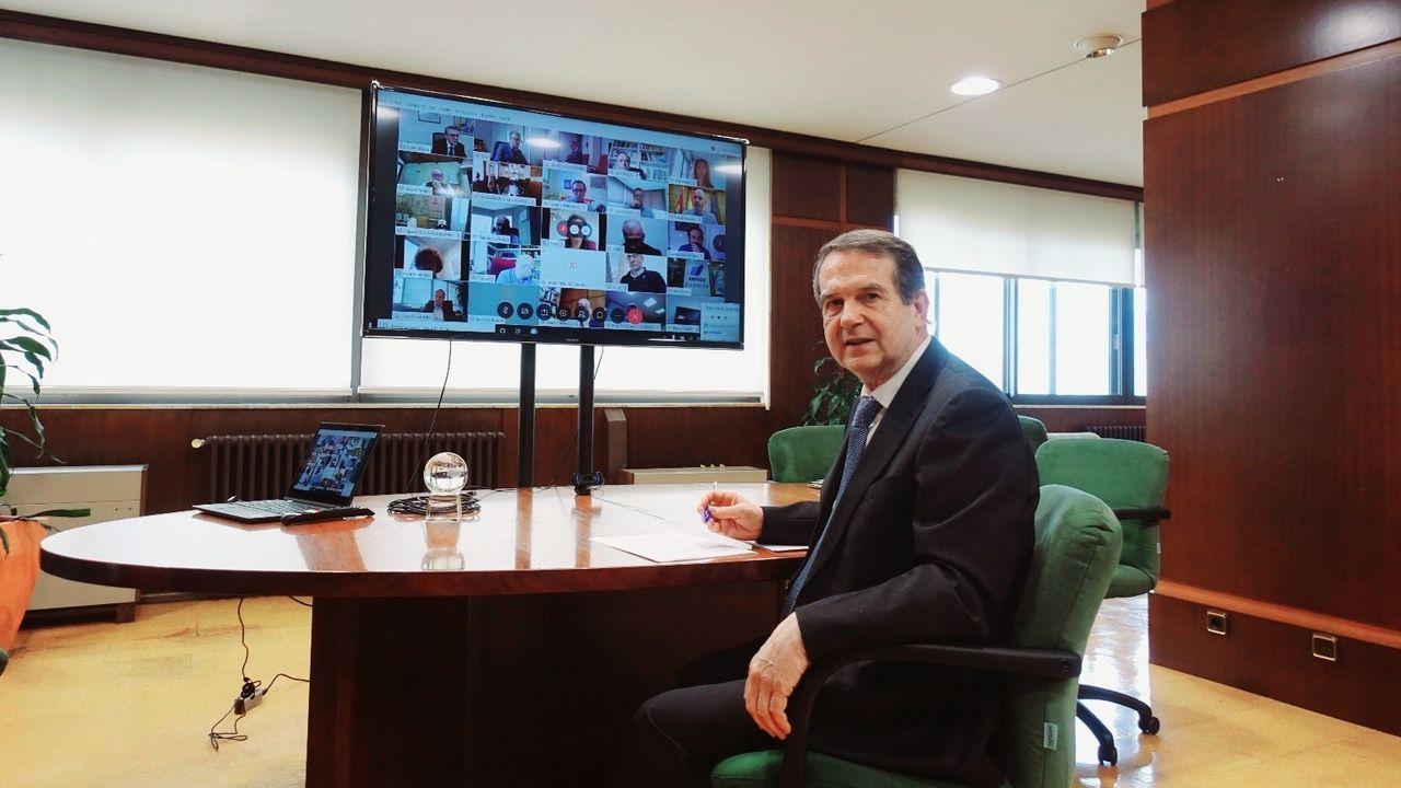 Abel Caballero, antes de la videoconferencia con Pedro Sánchez y la FEMP.