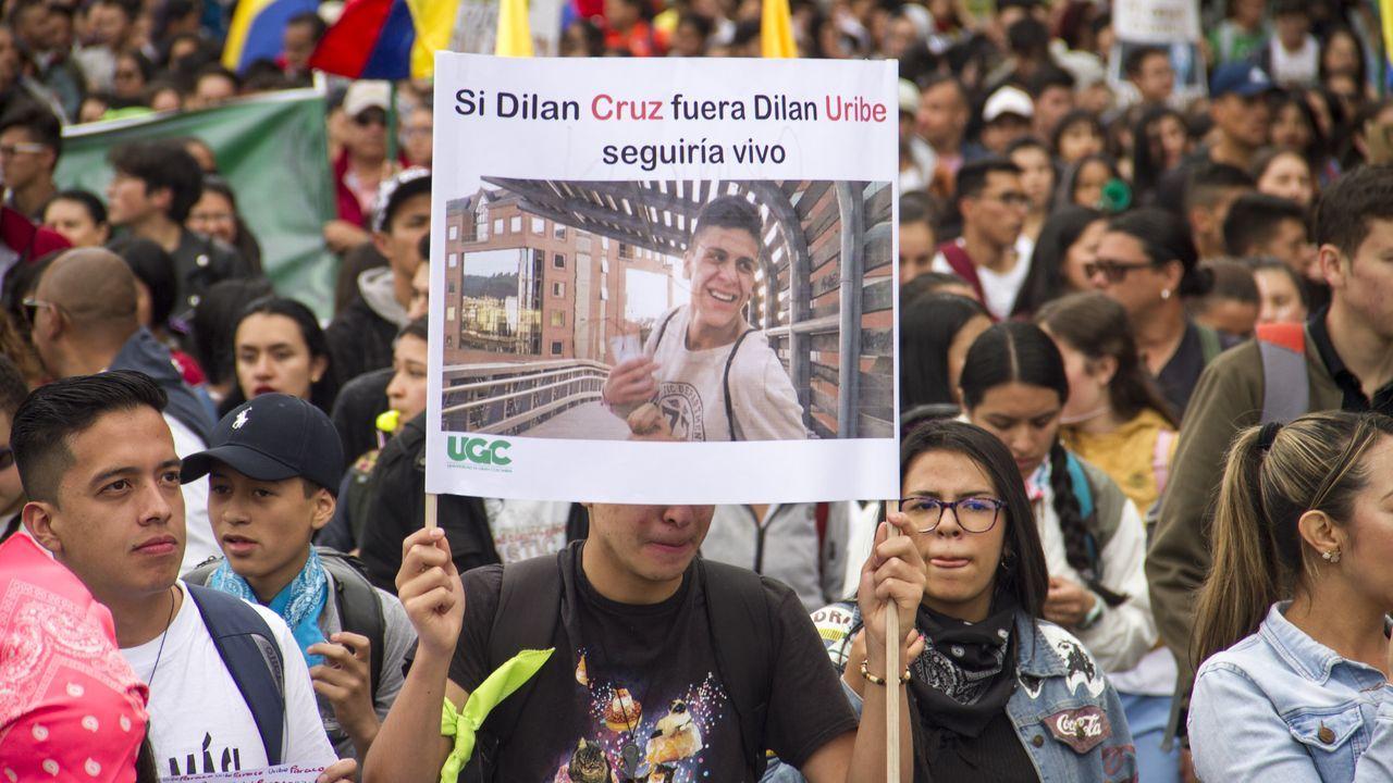 Guaidó: «Espero que la democracia española sea fuerte para hacer frente a la dictadura de Maduro».Las protestas estuvieron dedicadas al estudiante fallecido por un disparo de un antidisturbios