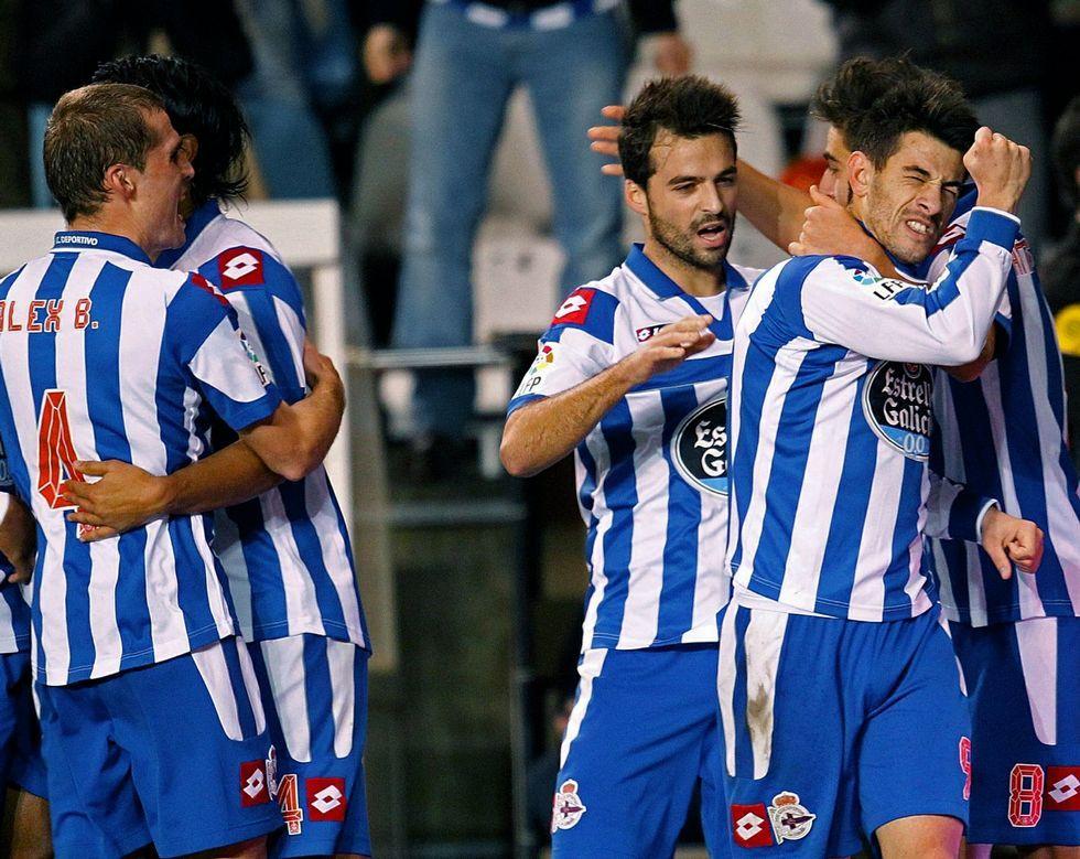 Pizzi festeja el gol que le endosó al Málaga en enero del 13, en la última victoria deportivista sobre un rival andaluz.