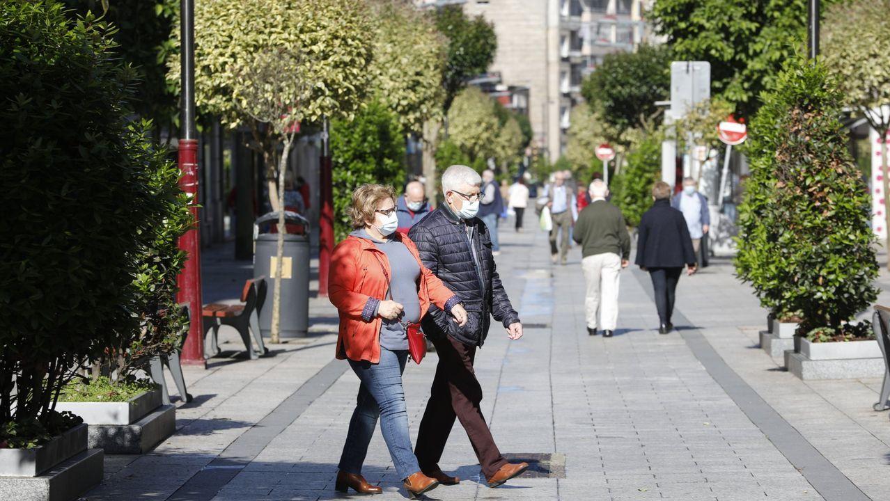 El comedor de Cáritas ofrece unos 400 menús diarios.La sede de Cáritas en Oviedo