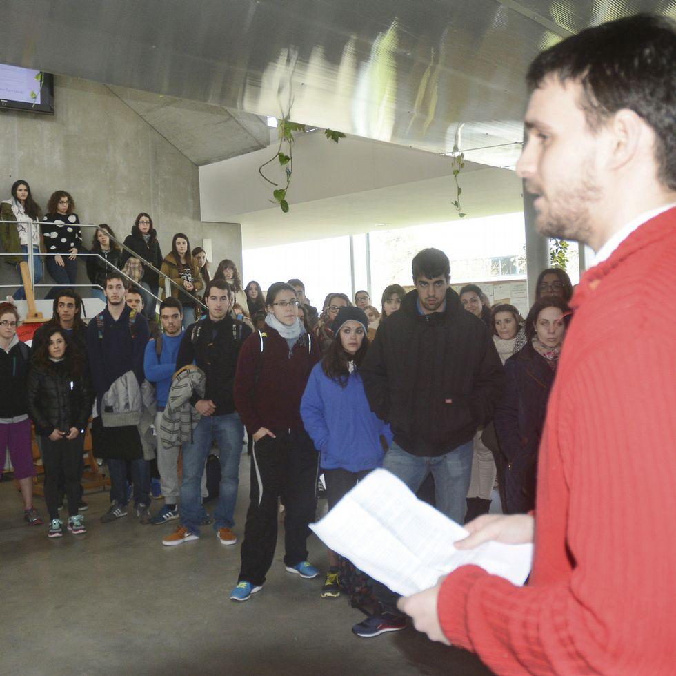 La protesta tuvo lugar ayer en Ciencias da Educación.