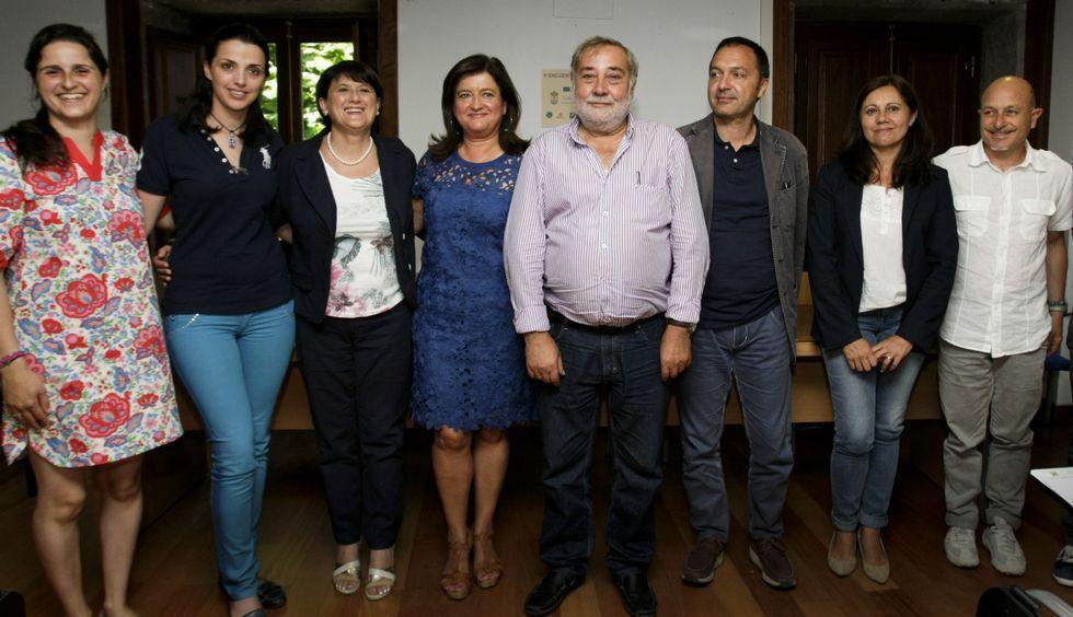 Técnicos italianos y de Culleredo presentaron ayer fórmulas contra el absentismo escolar.